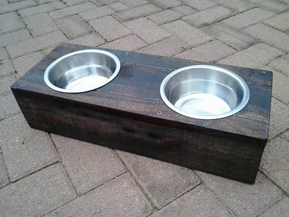 Diy Pallet Dog Bowl Holder Cat Or Bowls
