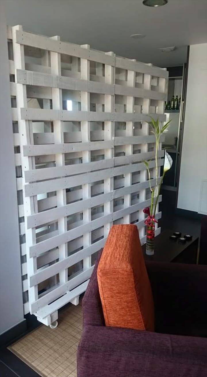 125 Awesome DIY Pallet Furniture Ideas on Pallet Room Ideas  id=50692