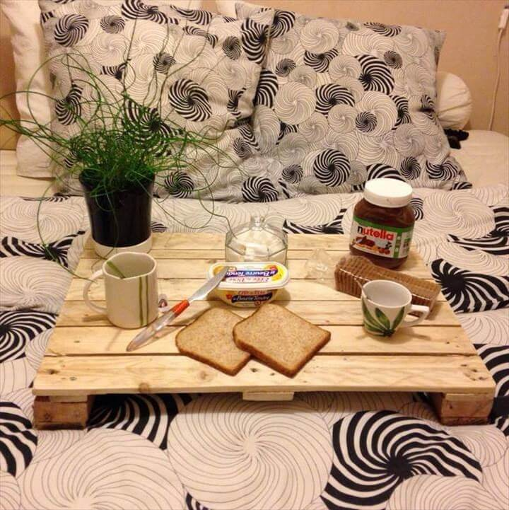 upcycled wooden pallet breakfast tray