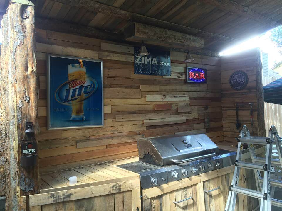 low cost wooden pallet outdoor kitchen