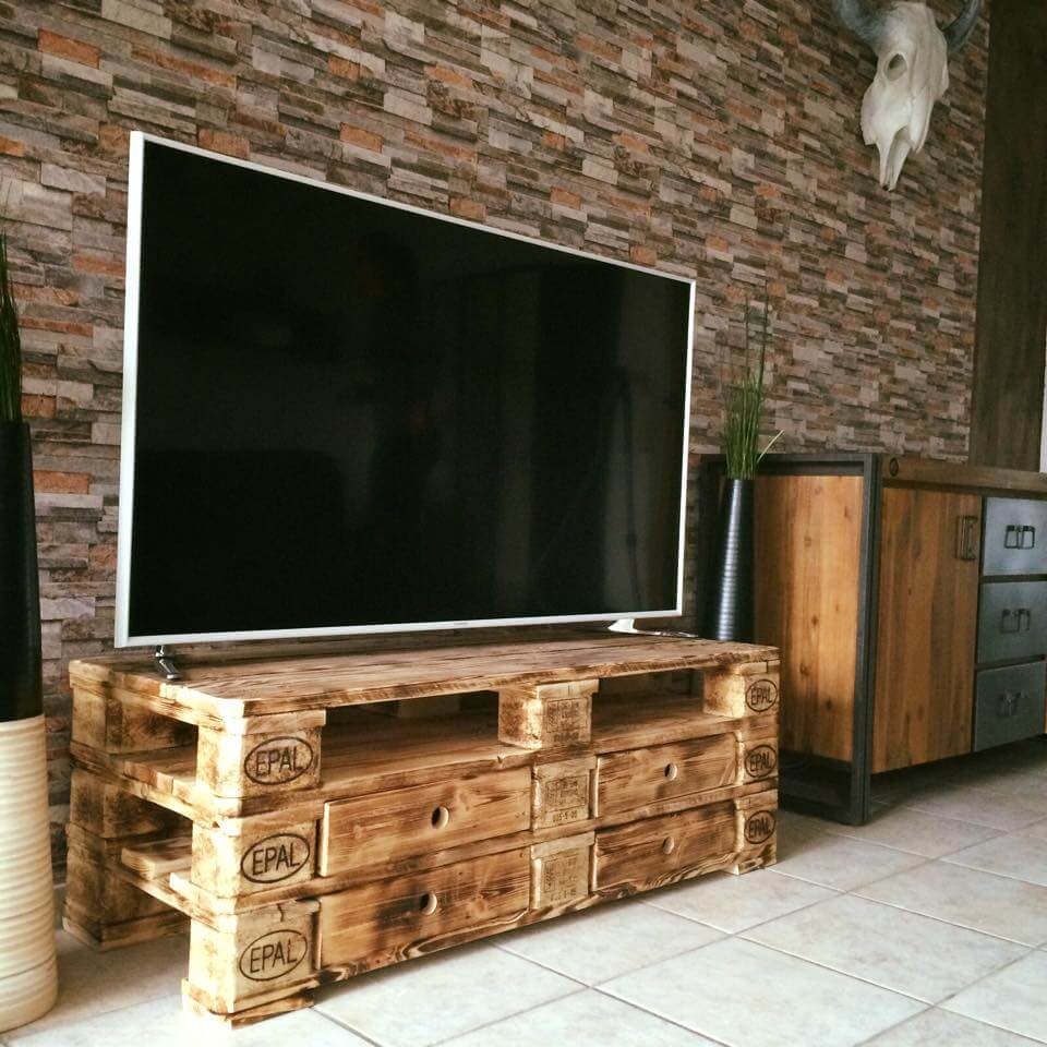 diy wooden pallet TV stand with drawers