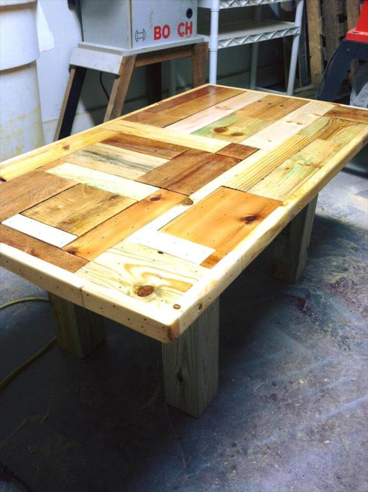 Pallet coffee table with patterned top for Pallet coffee table ideas