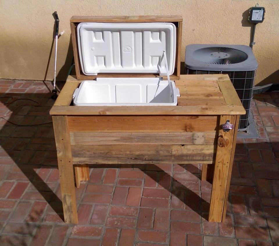 Diy pallet cooler stand ice chest for Wooden beer cooler plans