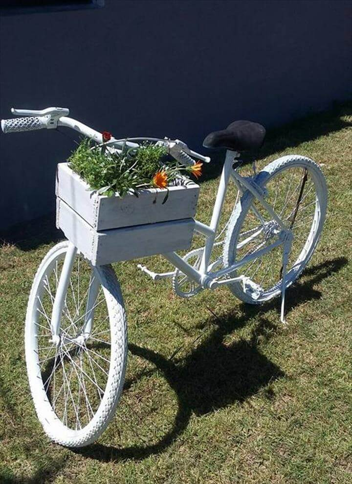 diy pallet bicycle basket planter
