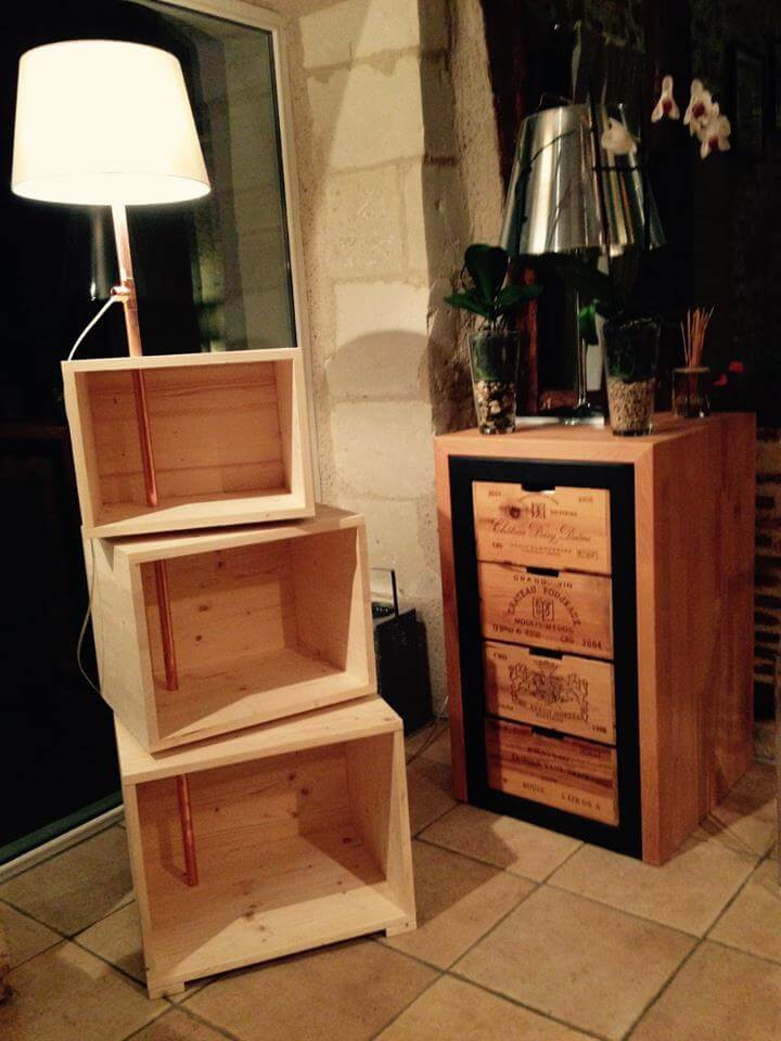 pallet side table with fixed lamp