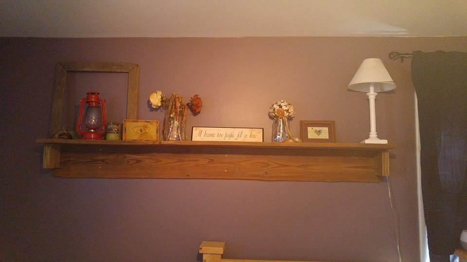 repurposed pallet display shelf