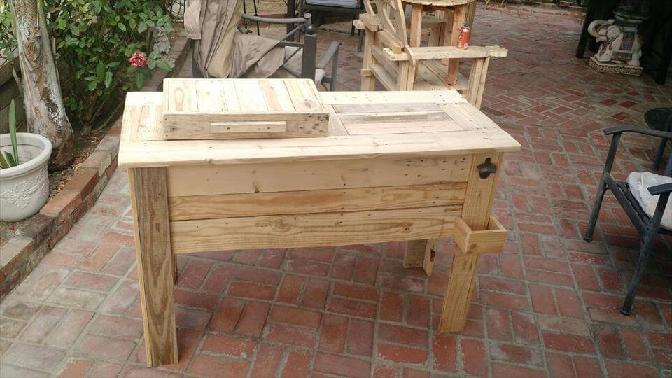 repurposed wooden pallet outdoor cooler