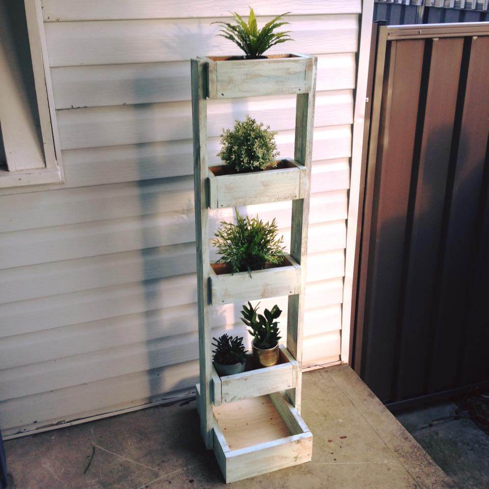 custom-made pallet pot organizer