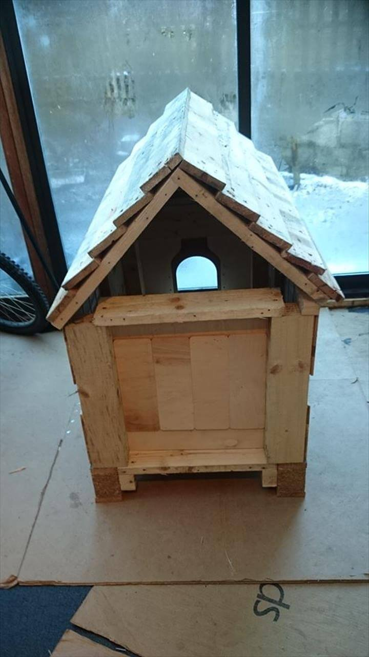 Diy pallets wood dog house - How to build a dog house with pallets ...