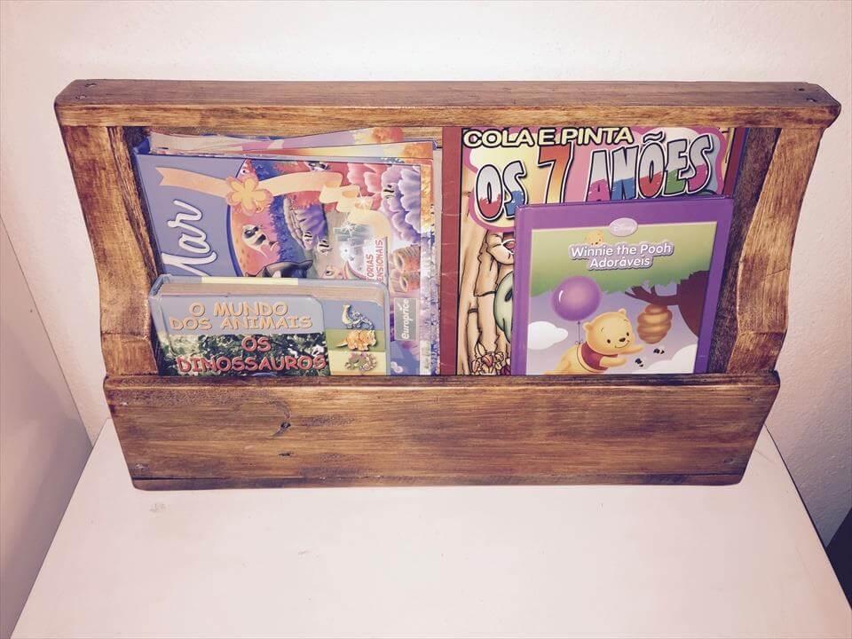 Wonderful pallet bookshelf on wheels for Pallet wall on wheels