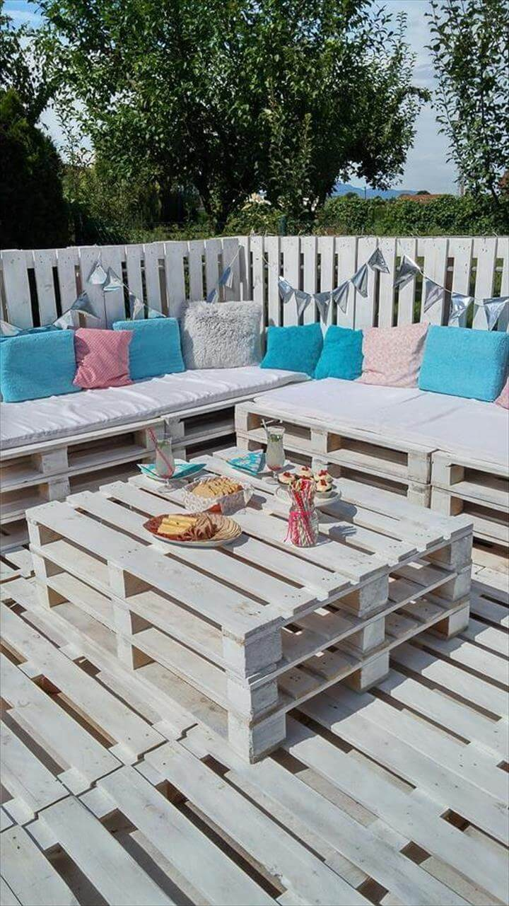 pallets garden party lounge 101 pallet ideas. Black Bedroom Furniture Sets. Home Design Ideas
