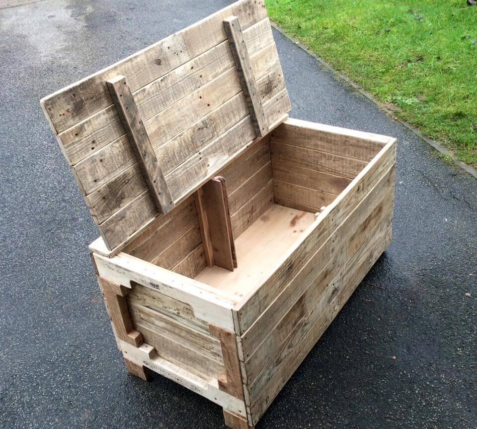 DIY Wooden Pallet Chest Designs