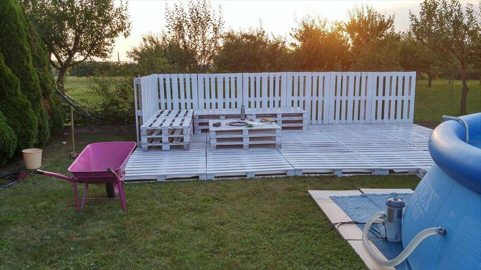 pallets garden party lounge projects. Black Bedroom Furniture Sets. Home Design Ideas