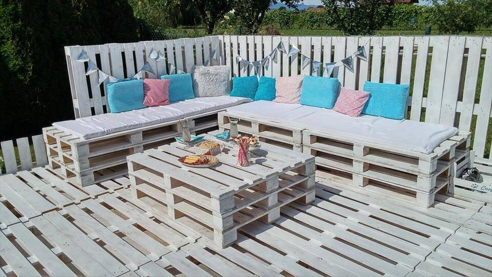 Pallets garden party lounge projects - Terrasse exterieur en palette ...