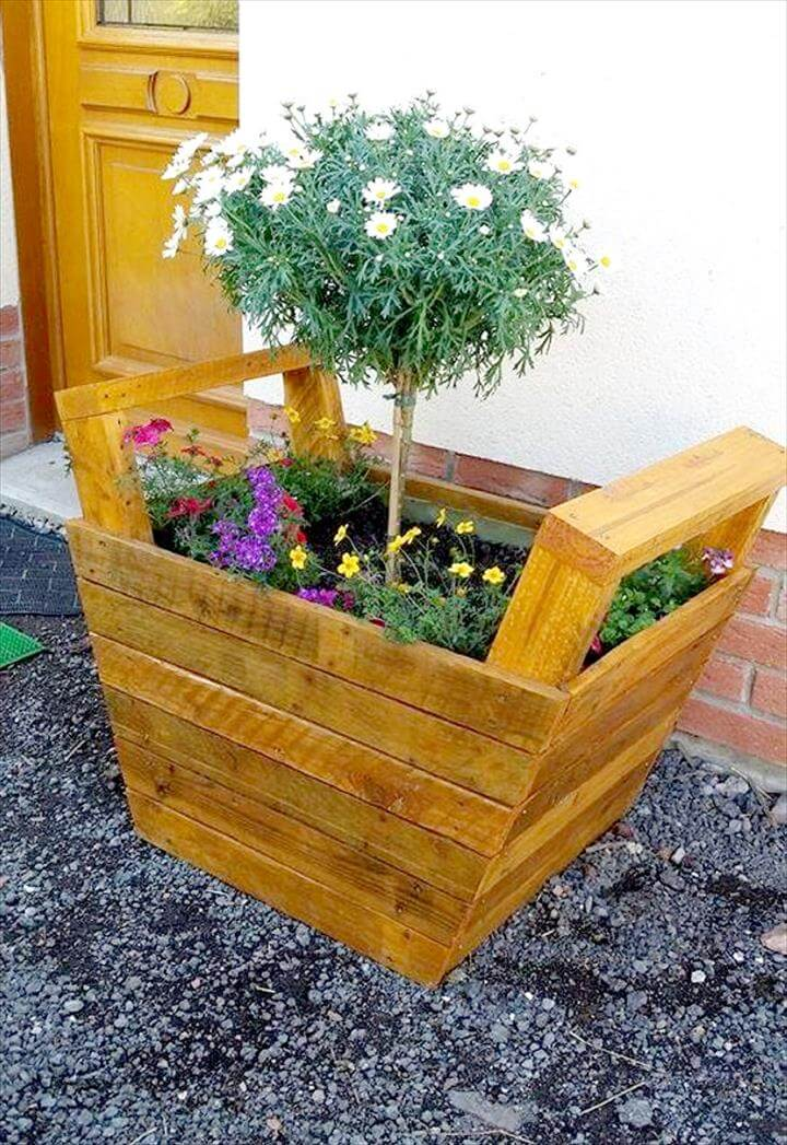 upcycled wooden pallet planter with handles