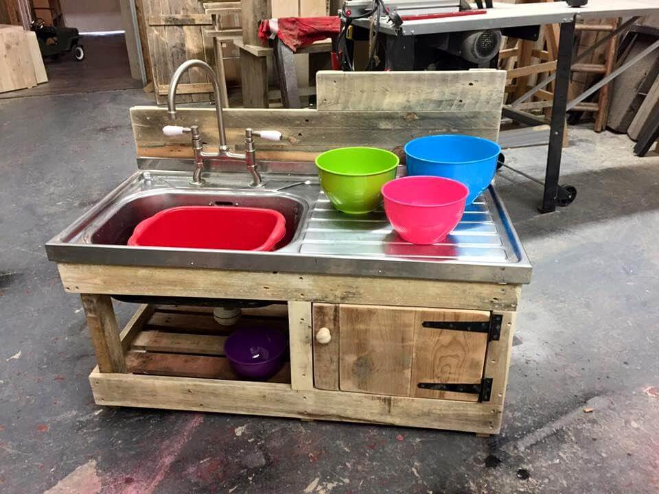 Mud Kitchen made from Pallets