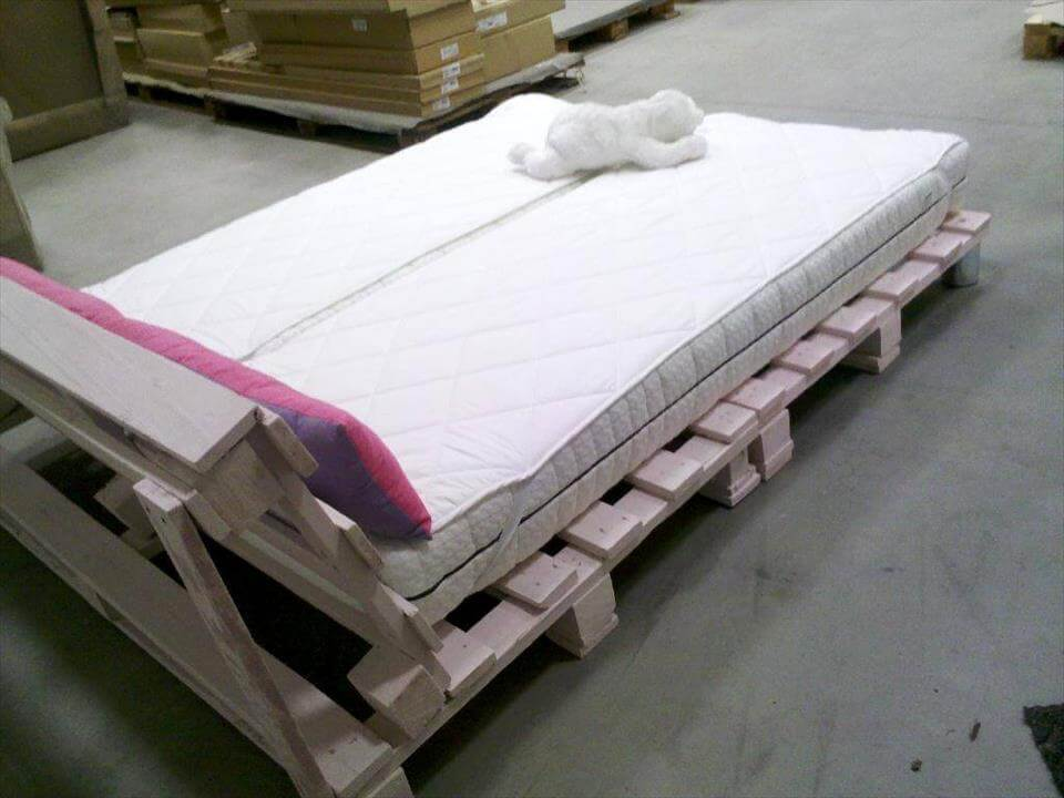 low-cost wooden pallet platform bed