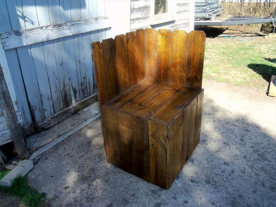 handmade wooden pallet corner chair