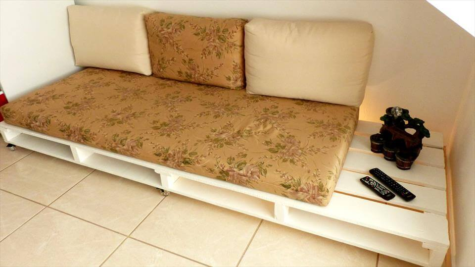 How to Turn old Pallets into Pallet Couch?