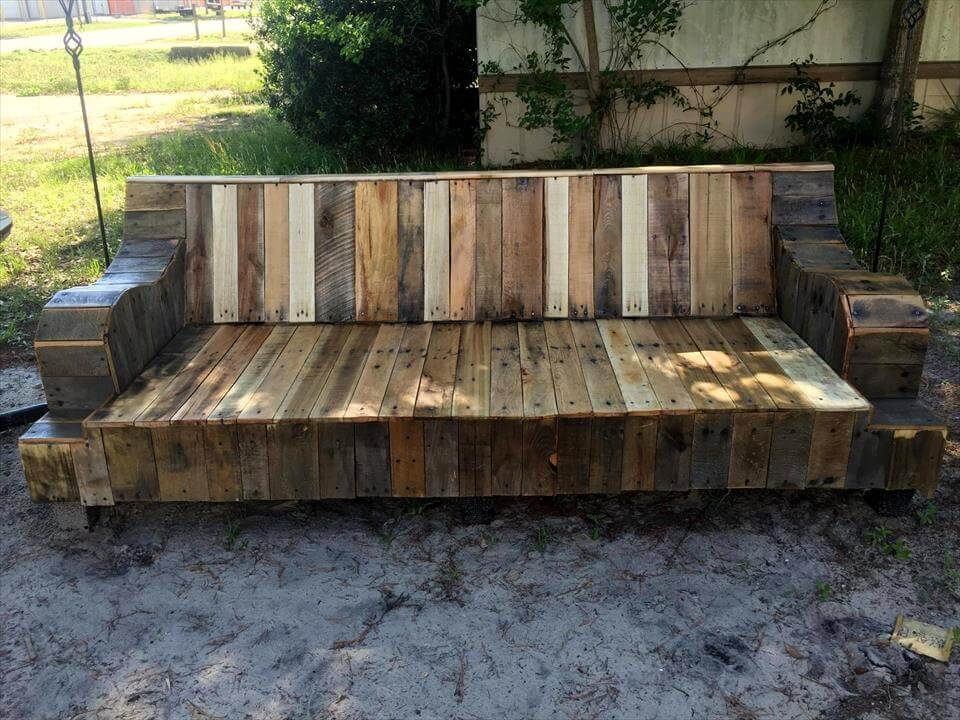 Refurbished Old Couch Base Into Pallet Sofa 101 Ideas