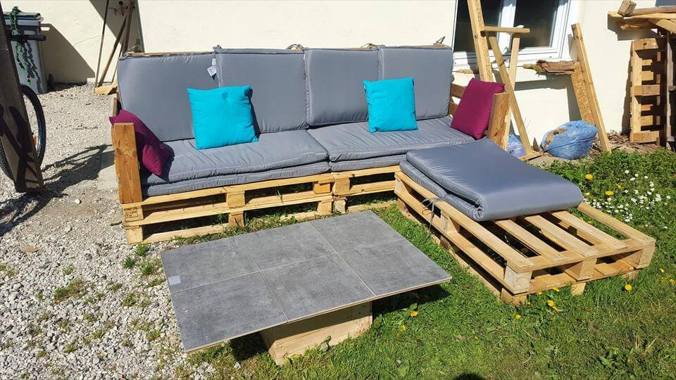pallet-L-shape-garden-sofa-set-with-cushion