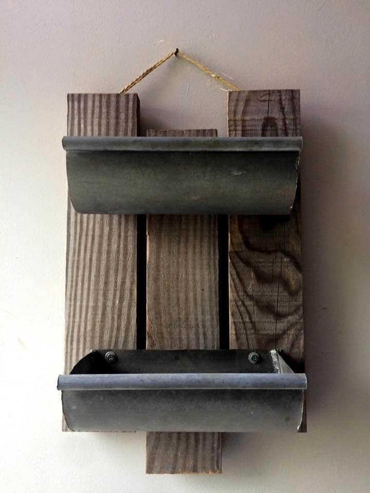 Handmade pallet and steel rack unit