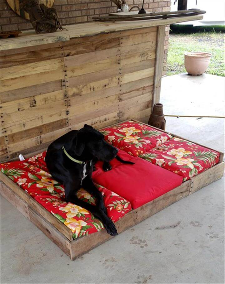 130 inspired wood pallet projects for Wood pallet dog bed