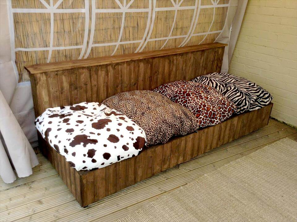 Build your own pallet sofa for Build your own couch cheap