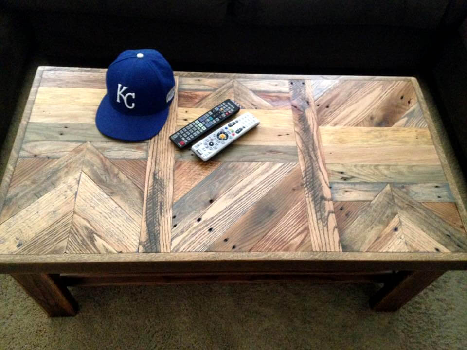 upcycled pallet coffee table with multi-pattern top