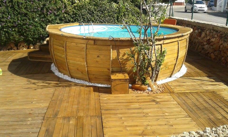 Handmade wooden pallet pool deck