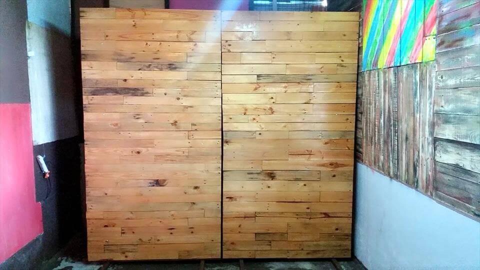 custom wooden pallet room dividers