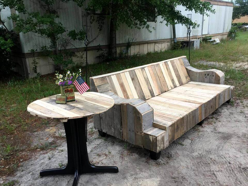 Refurbished old couch into pallet sofa for Sofa table made from pallets