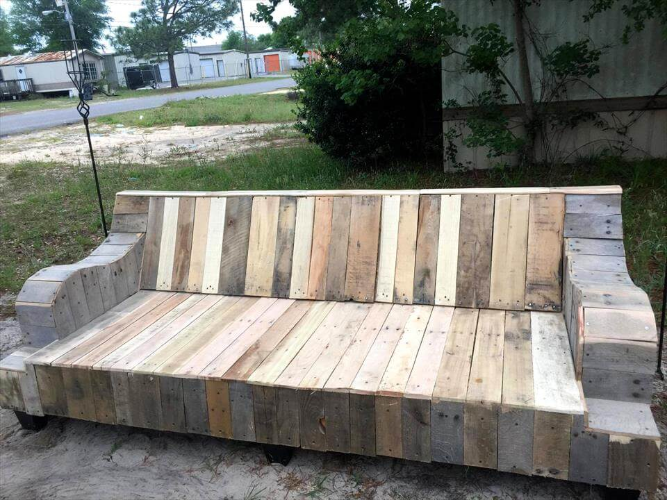 Wood and metal end table - Refurbished Wooden Pallet Couch Frame