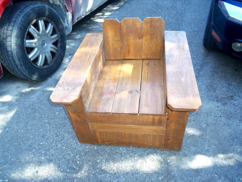 robust wooden pallet outdoor chair