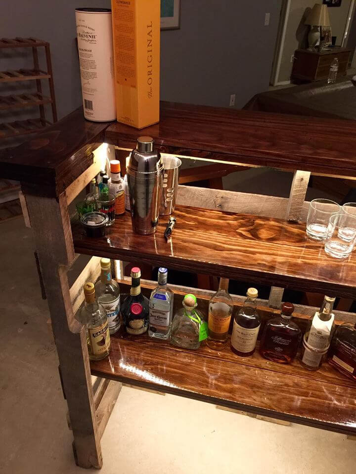 no-cost pallet bar with lights