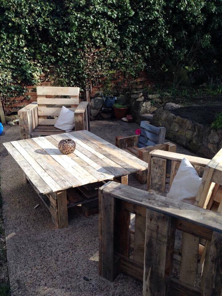 wooden pallet sitting set