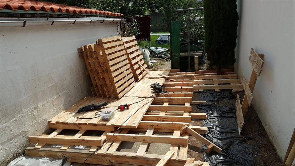 Build a low cost wood pallet deck for Low price decking