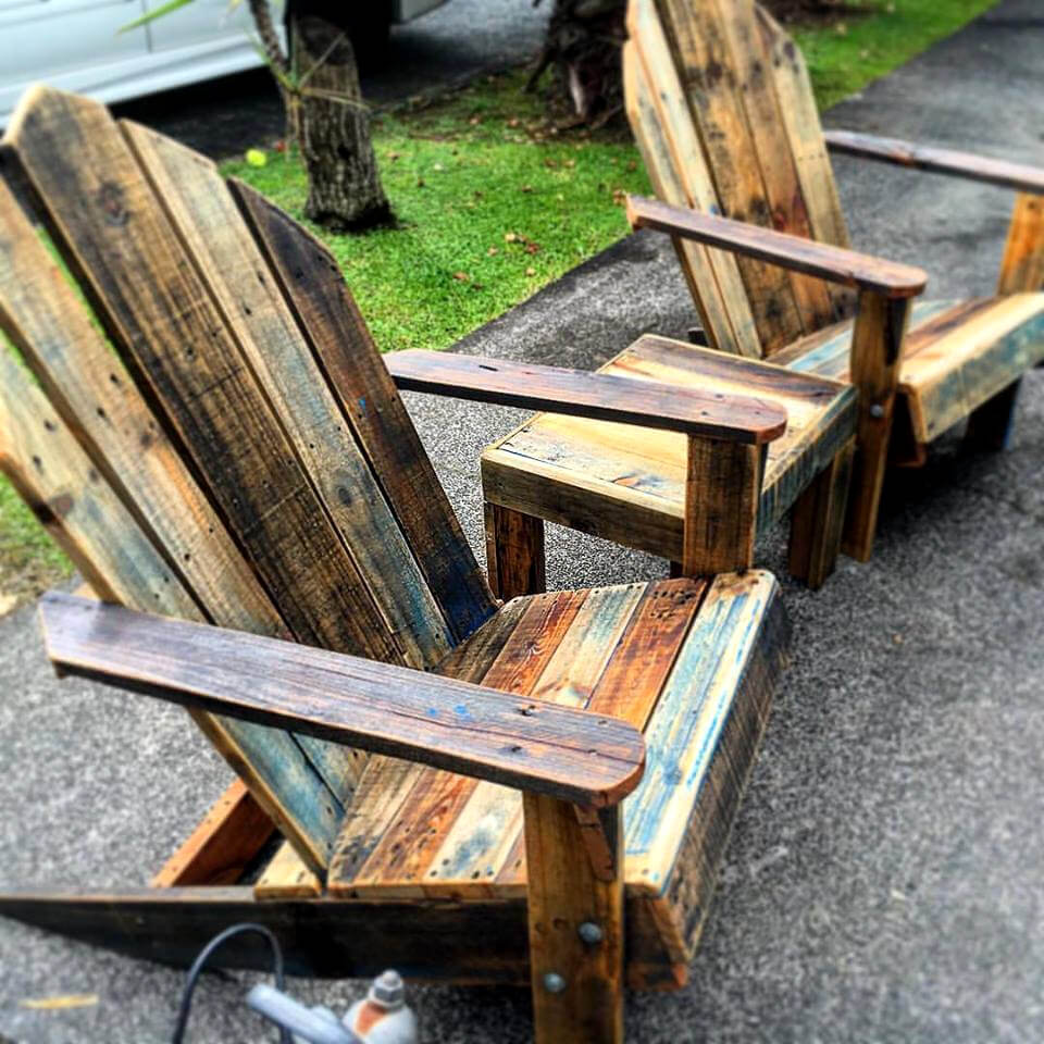 Diy comfortable pallet adirondack chair 101 pallets - Pallet Adirondack Chairs