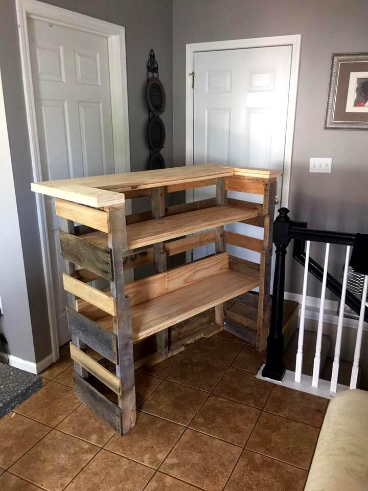 robust wooden pallet bar