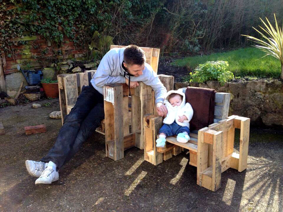 robust wooden pallet chairs