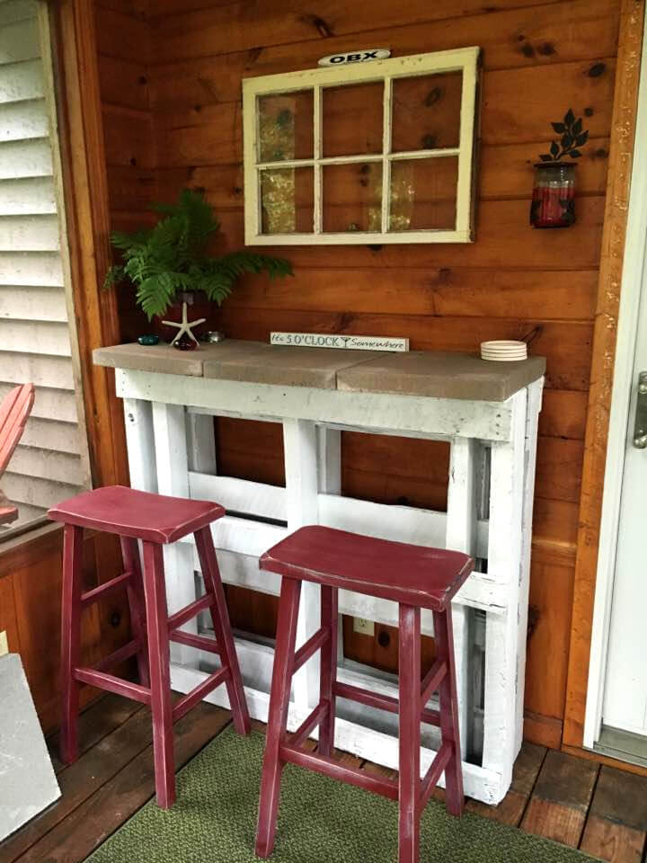 wooden pallet porch bar with concrete tile counter