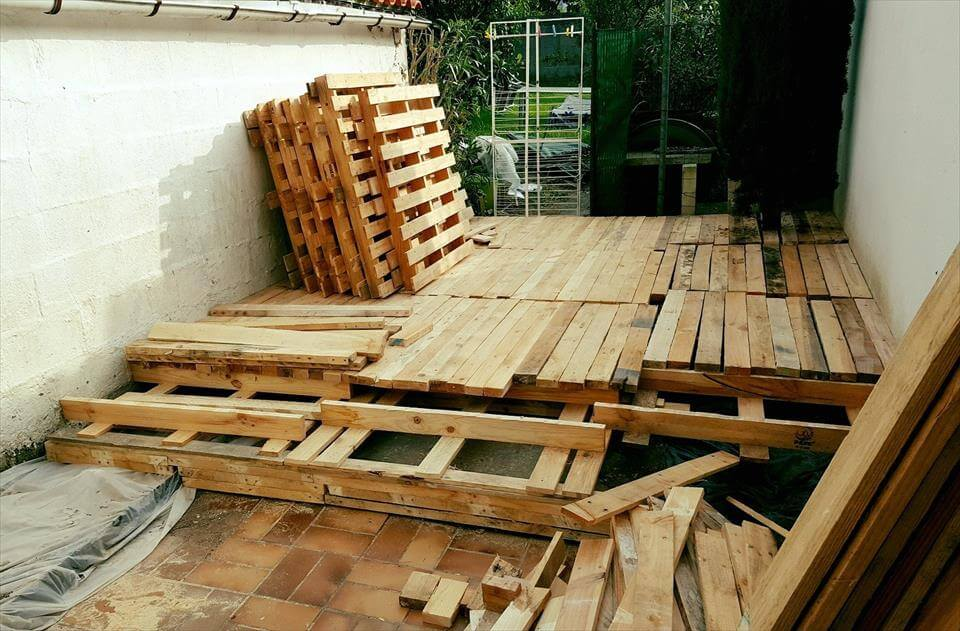 how to make a deck using pallets