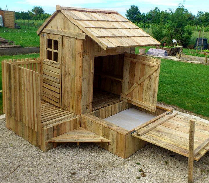 Pallet Playhouses for Kids Creativity & Health Boost