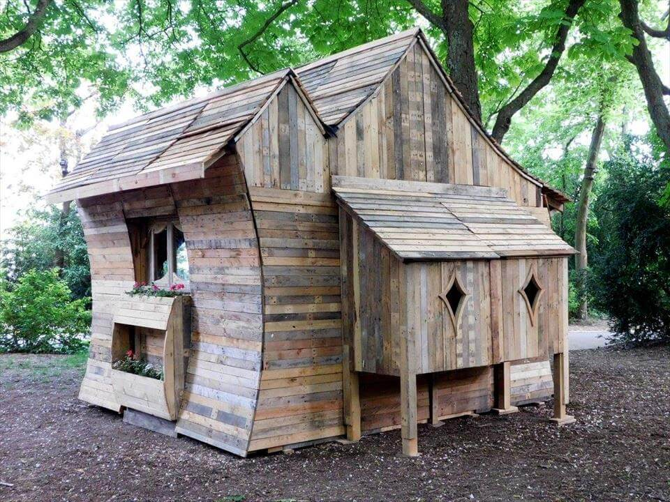 Pallet cabin built for funny cabins exhibition for Wood cabin homes