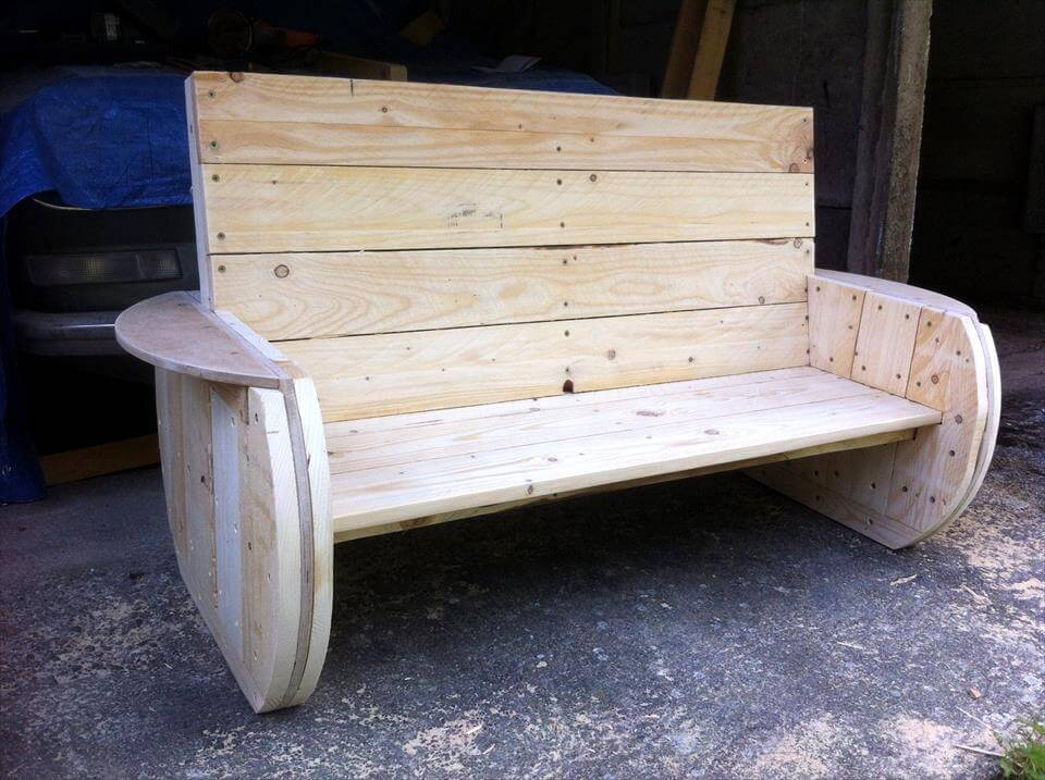 Diy rustic pallet bench for Diy pallet bench instructions