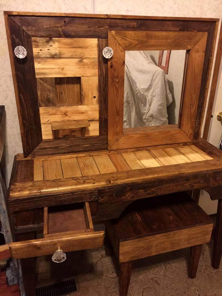 Rustic Pallet Vanity With Stool