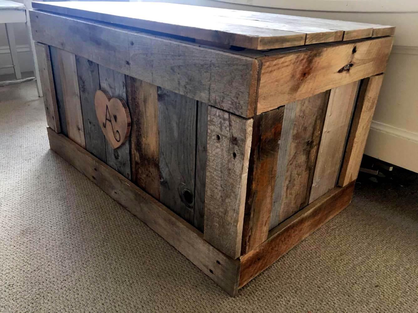 handmade wooden pallet chest
