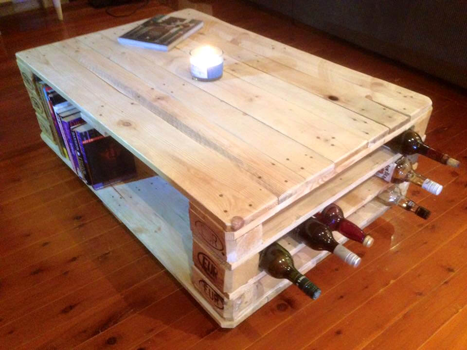 pallet coffee table with beverage bottle rack