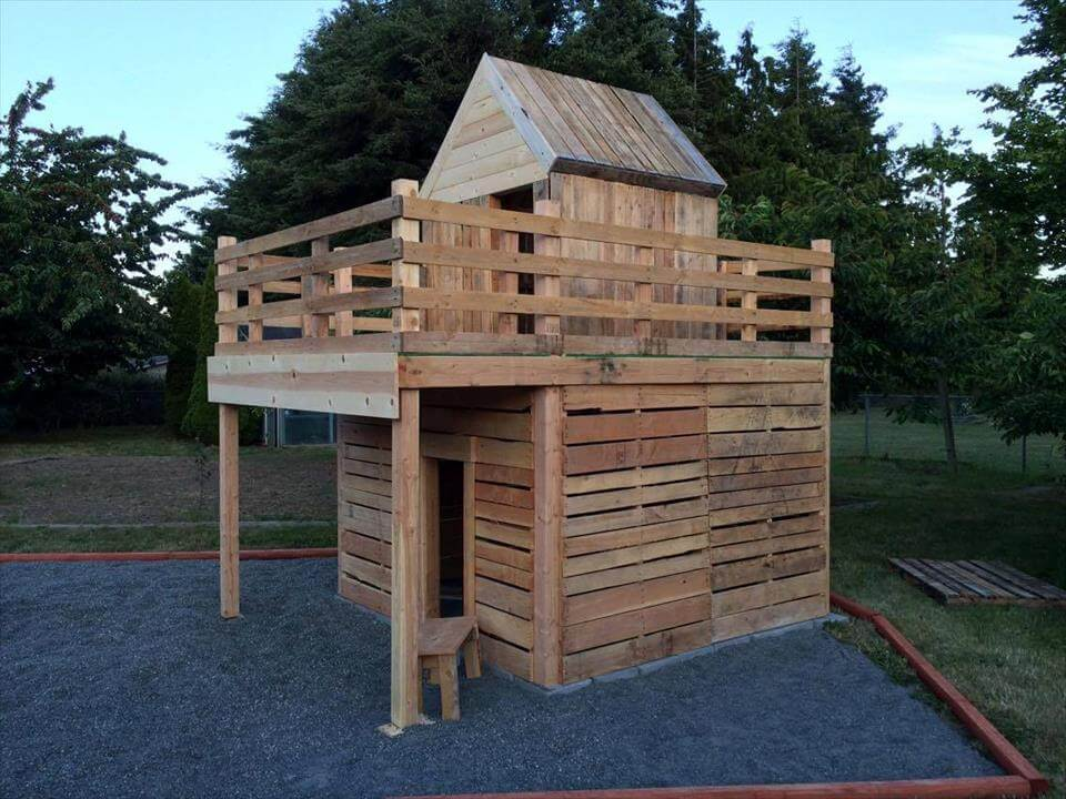 Diy pallet playhouse for kids fun 101 pallet ideas for Cost to build a playhouse