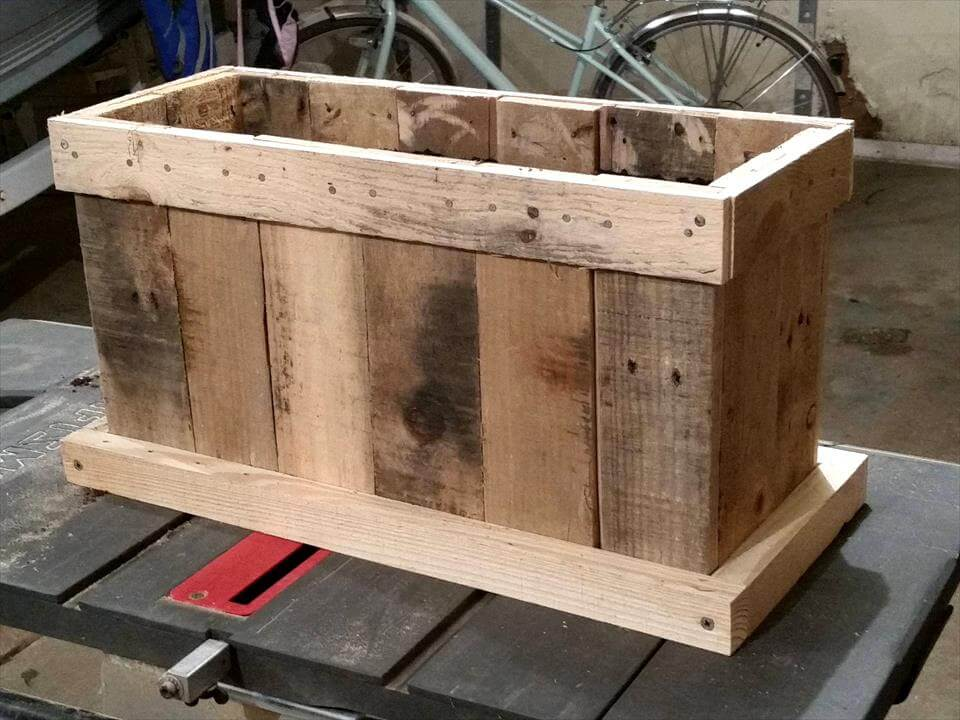 Upcycled pallet planter designs for Making planters from pallets